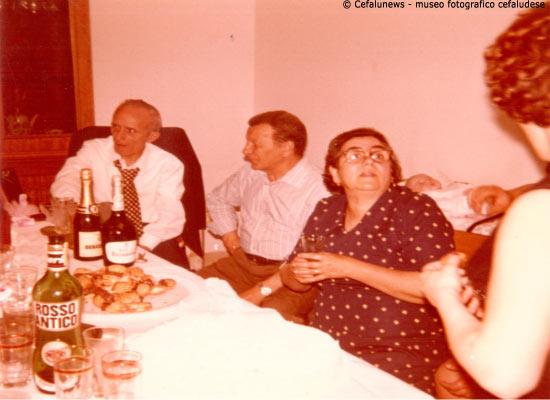 Giuseppe Glorioso con la moglie Maria e l'amico di famiglia Nino Valenziano
