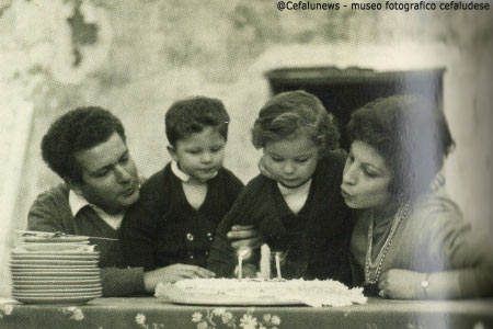 1970: la famiglia di Salvuccio. I figli Maurizio e Valeria e la moglie Angela Maria