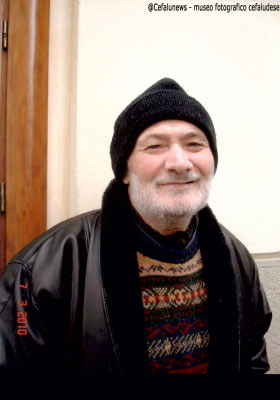 """Pippo """"bella pattita"""" in una foto che lo ritrae sorridente così come tutti se lo ricordano a Cefalù"""