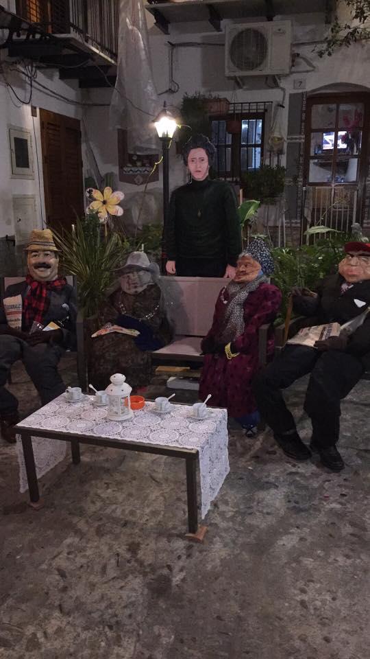 """Carnevale 2017 i """"NANNI"""" a cui quest'anno il nipote Francesco ha voluto aggiungere la figura dell'amata nonna Marietta (in piedi )"""