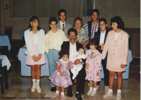 1994 Giovanni Maggio in una delle ultime foto con tutti i nipotini