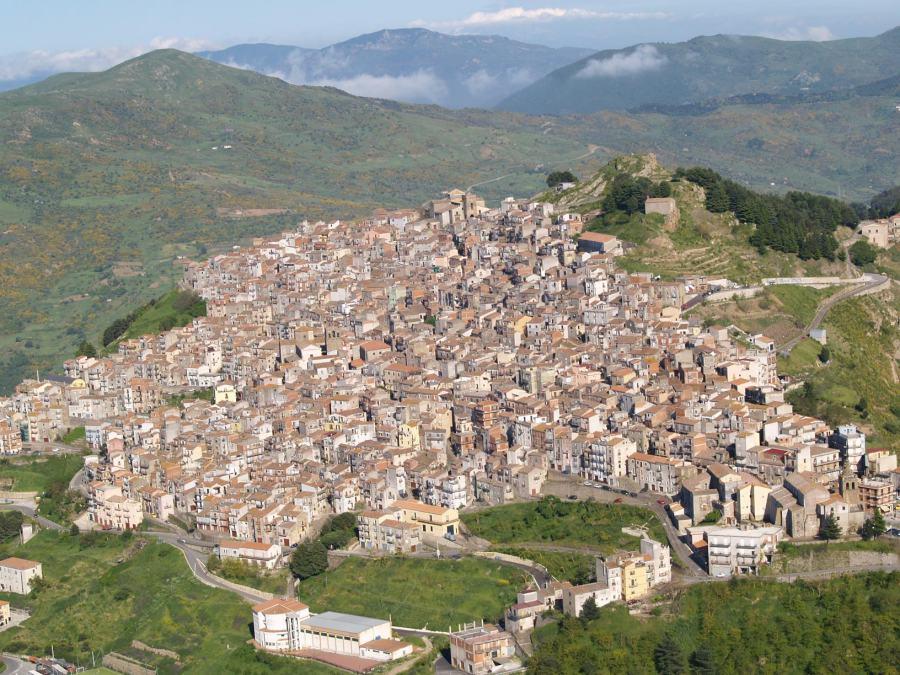 San Mauro: il borgo dove trovare arte e storia con tradizioni che vanno  oltre il tempo