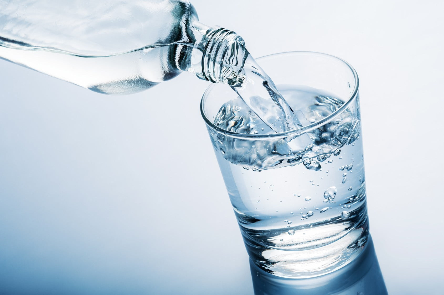 perdita di peso bevendo acqua prima dei pastier