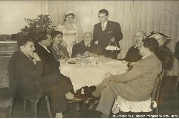 1956- Ricevimento nozze Giovanni Agnello e Laura Frezza- al centro della foto il M° V. M. Pintorno