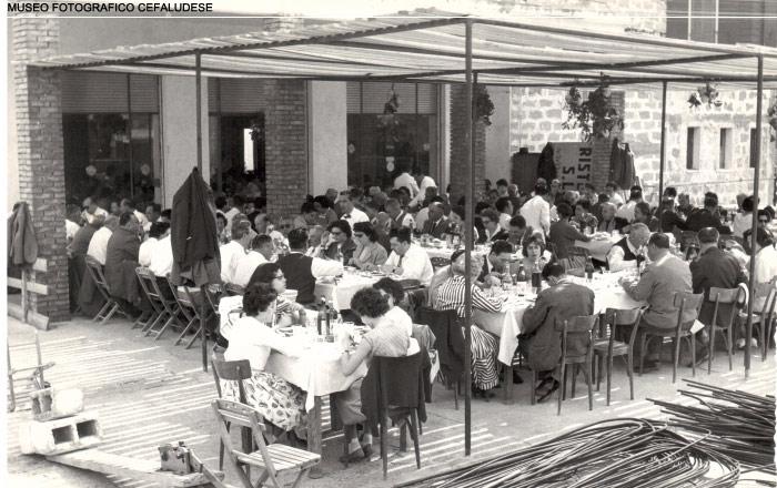 1952: esterno del Ristorante Santa Lucia