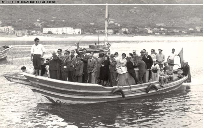 Marina: ospiti del Santa Lucia che arrivavano in barca
