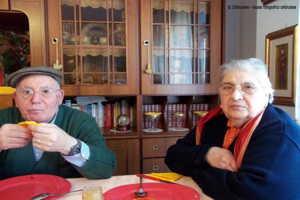 Una delle ultime foto di Angelo , ritratto con la sua amata Cristina