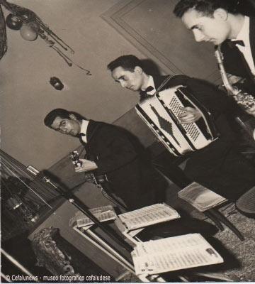 Angelo Battaglia con la sua fisarmonica